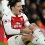 Hector Bellerin: Arsenal manager Unai Emery says defender's injury 'not positive'