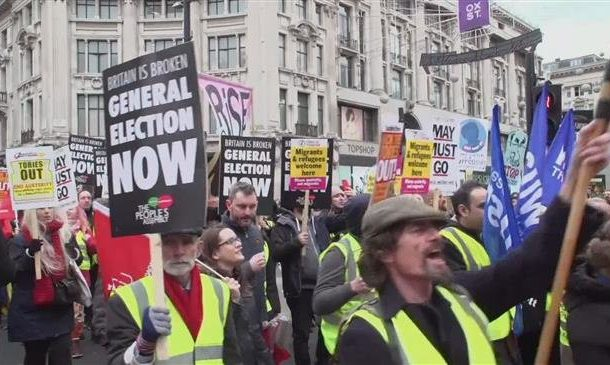 """Yellow Vests"" strike London streets"