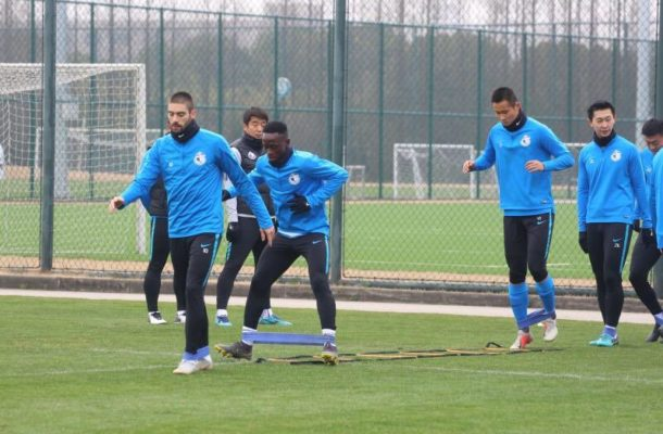 Ghana striker Emmanuel Boateng trains for first time with Dalian Yifang