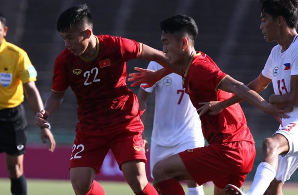 Vietnam fight back for opening win