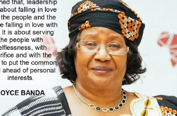 Malawi's Joyce Banda quits presidential race