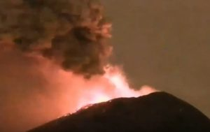 Mexico's Popocatepetl Volcano Spits Out Flames in Grand Eruption (PHOTOS, VIDEO)