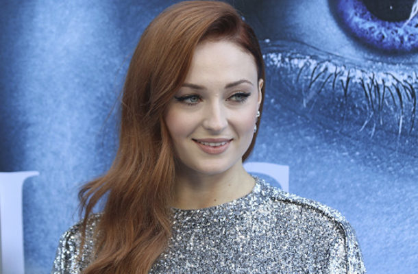 WATCH Game of Thrones' Sansa Stark Perform Wine-Chugging Stunt in New York