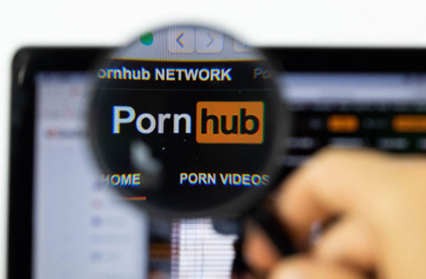 Global Social Networks Outage Forced Users to Rush to PornHub