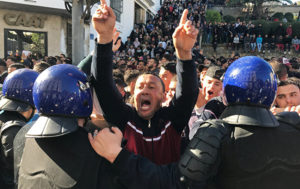 At Least 10 Reportedly Hurt Amid Clashes at Opposition Rally in Algeria (PHOTOS)