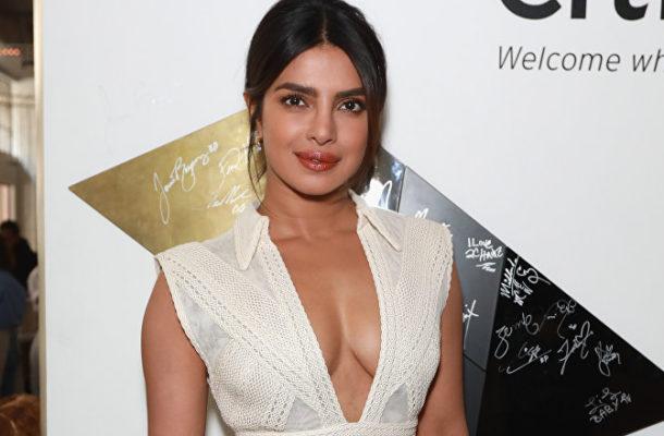 Priyanka Chopra Flaunts Sexy Bikini Body During Miami Yacht Getaway (PHOTOS)