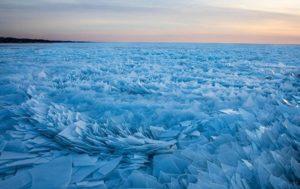 Lake Michigan Freezes Into Field of Thousand Shards, Stuns Viewers (PHOTOS)