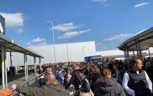 London's Luton Airport Evacuated due to Fire Alarm (PHOTO, VIDEO)