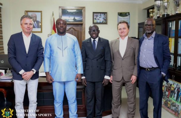 Youth and Sports Minister meets FIFA delegation