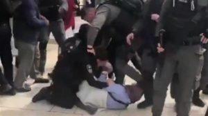 Video: Israeli soldiers manhandle Palestinian women