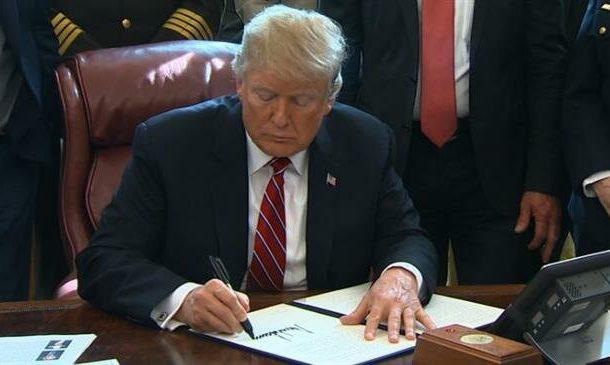 Trump vetoes bill that would block his border emergency