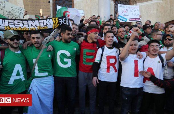 Algeria protests continue after poll delay