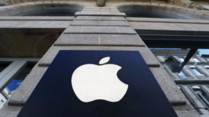 Apple invites Hollywood to Silicon Valley to push its new video streaming platform