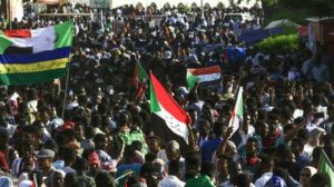 Sudanese converge on army HQ for 'million-strong' march