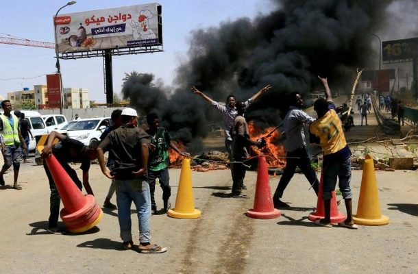 Sudan protesters demand civilian government now