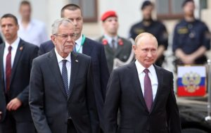WATCH Russian President Putin Meet Austrian Counterpart Van der Bellen (VIDEO)