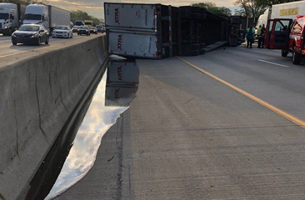 Semi-Truck Hauling Over 20 Tons of Honey Overturns on US Highway (PHOTOS)