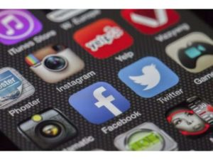Third-party apps register rapid growth as Indians take to video apps: Report