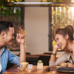 5 things a woman notices about the man on a first date
