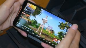 US adults are spending big on video games, playing mostly on smartphones: ESA report
