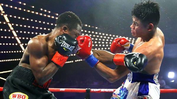 Dogboe suffers Round 12 TKO to Emanuel Navarrete in rematch