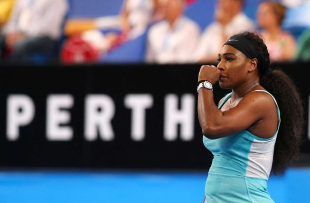 Serena withdraws from Italian Open with knee problem