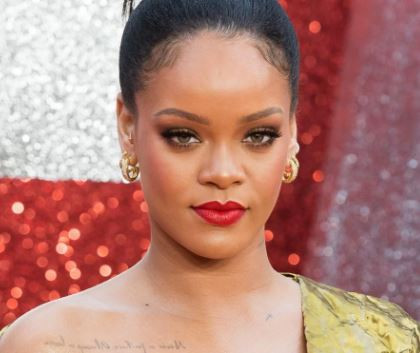 Rihanna confirms she turned down Super Bowl gig in support of Colin Kaepernick