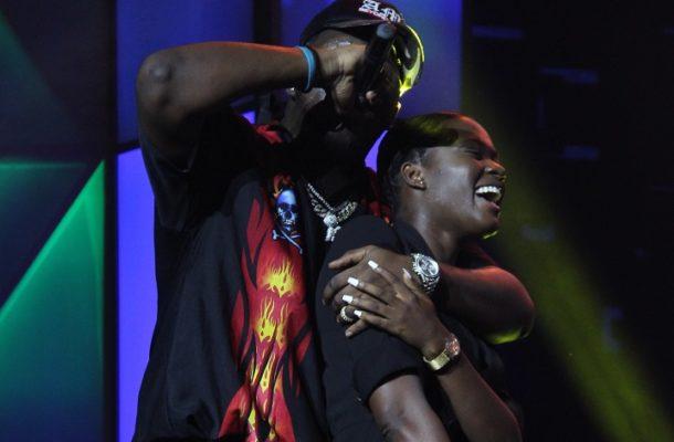 PHOTOS: Medikal and beau Fella Makafui shoot down break up rumor at Ghana meets Naija