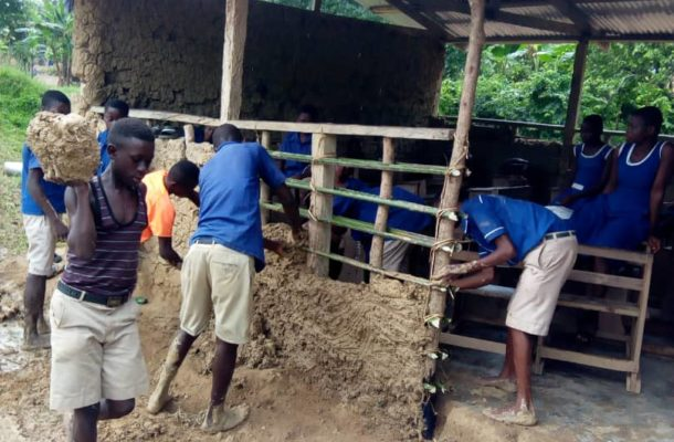 PHOTOS: Pupils moulding their classroom block at Banaso Presby School goes viral