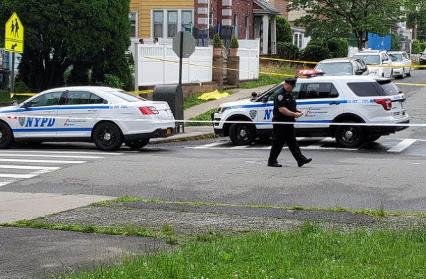 3-month-old baby found dead in grass outside Queens park