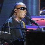 Stevie Wonder announces he will be undergoing Kidney transplant surgery during concert