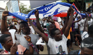 VIDEO: Election 2020: NPP man baths publicly to campaign for party