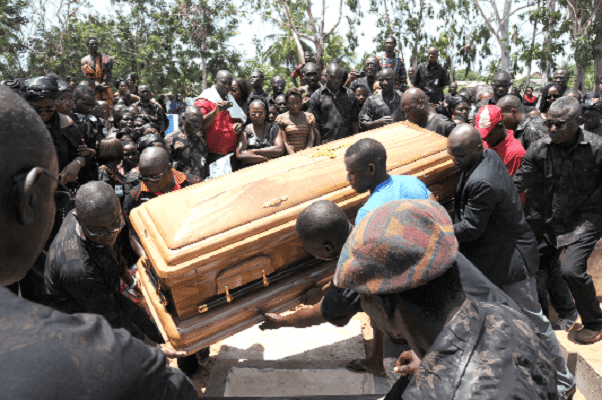 Mourners flee as dead man wakes up minutes before his burial