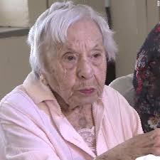 """""""I never got married"""" Woman who turns 107 shares secret to her long life"""