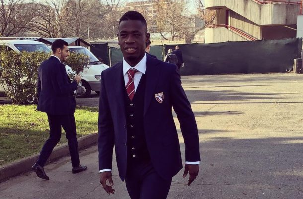 VIDEO: Black Stars Midfeilder Afriyie Acquah leaks own sekstape