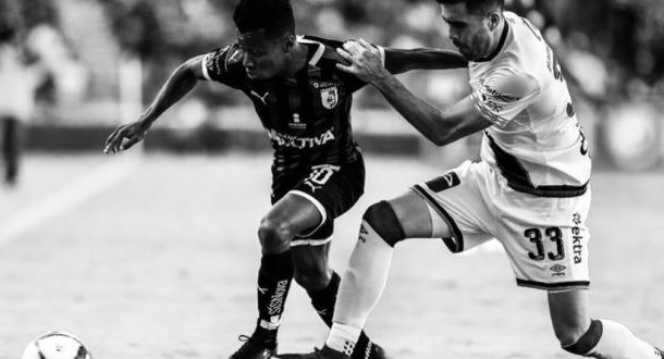 Clifford Aboagye plays full throttle in Querétaro FC draw