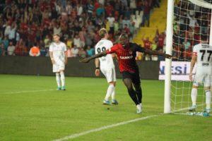 Ghanaian duo Twumasi,Chibsah score as Gaziantep beat Besiktas