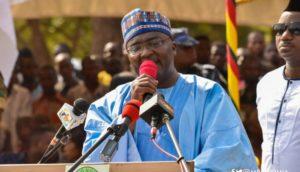 Bawumia donates 500 cedis each to 'Ejisu' Kayaye