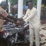 Gov't presents 31 motorbikes to Assembly members in Akroso