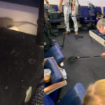 DRAMA: Reporters 'flee' as mouse falls from White House ceiling