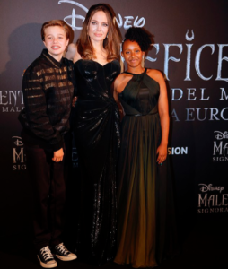 Photos: Angelina Jolie steps out with beautiful teen daughters at Maleficent's Rome premiere