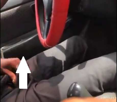 SHOCKING VIDEO: Taxi driver brings out his pen!s; masturbates while driving female passenger