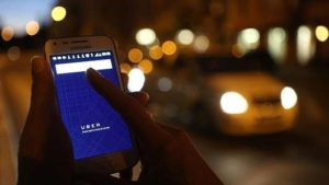 Suspend new DVLA fee - Online drivers association calls