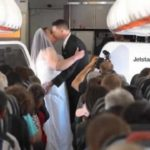 Couple tie the knot 37,000 feet in the air between Australia and New Zealand