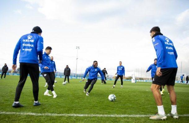 Mubarak Wakaso returns to training with main squad