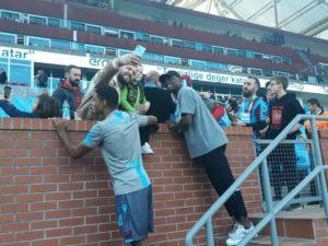 Exclusive: Ghanaian striker Caleb Ekuban makes Turkey return, takes photos with fans