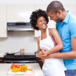 4 tips to plan the perfect romantic dinner date at home
