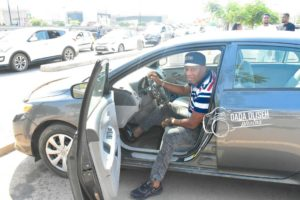 PHOTOS: Samuel Tetteh surprises his manager with a 'tear rubber' Toyota saloon car