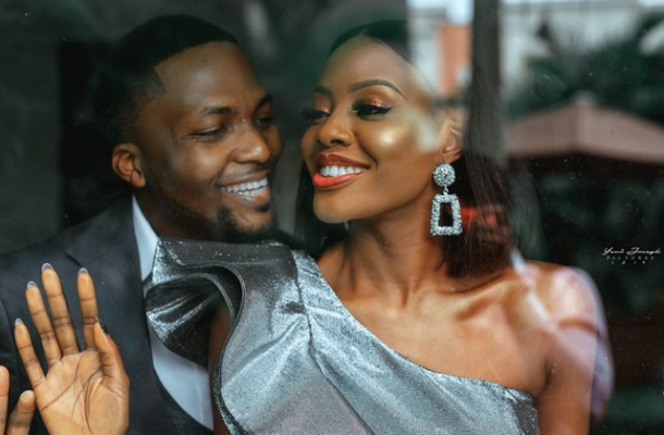 They met in the office! Eniola and Tobi's love story, pre-wedding shoot