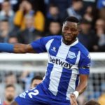 Ghanaian midfielder Mubarak Wakaso heads off to China